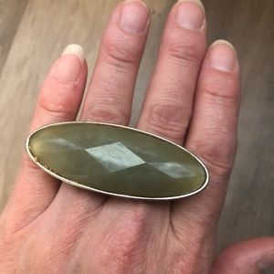 Jewelry - New two finger silver metal and green stone ring